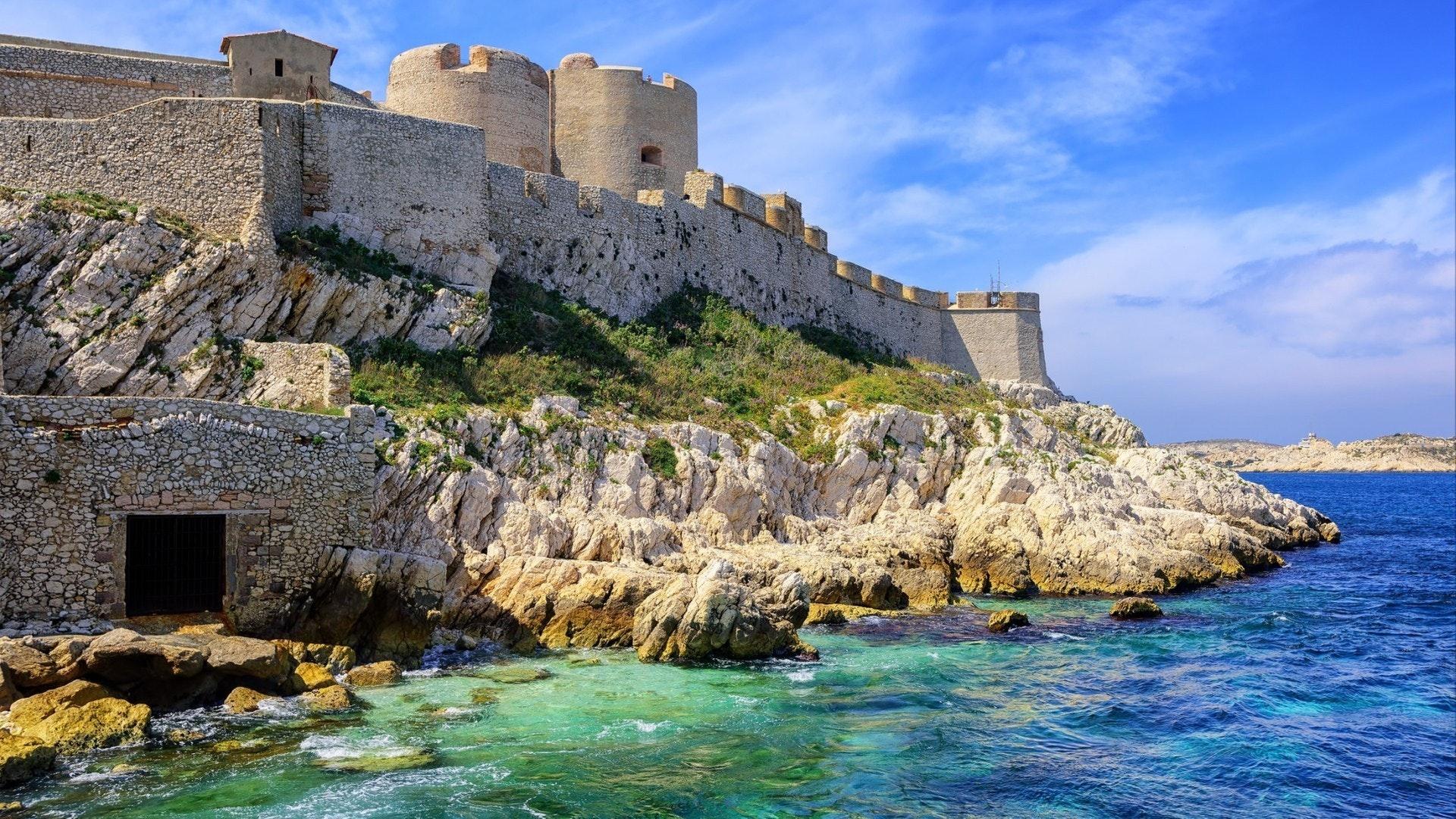Замок Chateau d'If на острове в Марселе, Франция