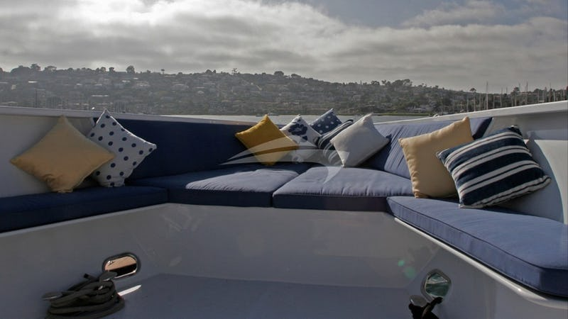 LEIGHT STAR :: Foredeck Seating