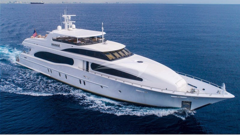 Yacht Charter DREAM