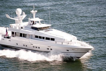 102ft Yacht HIGHLINE