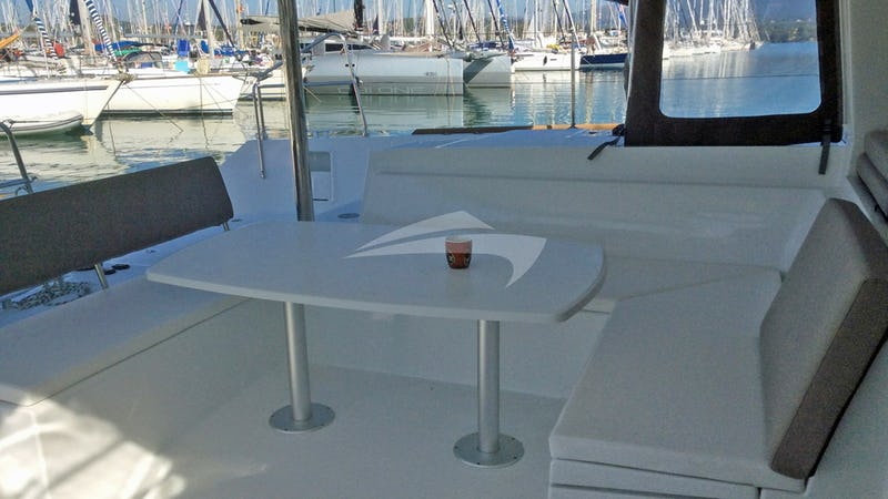 DELICIA :: Aft Deck Dining