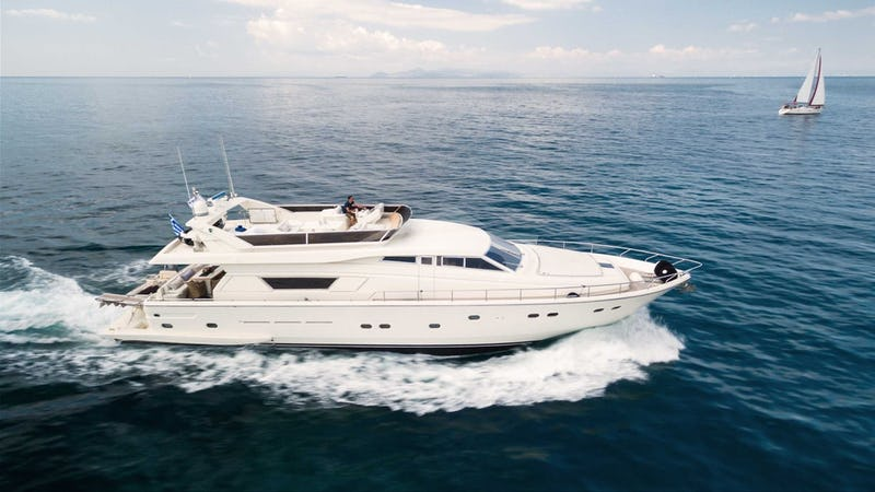 Yacht Charter VENTO