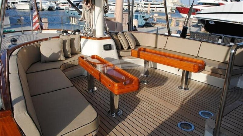 AVALON :: Deck Seating