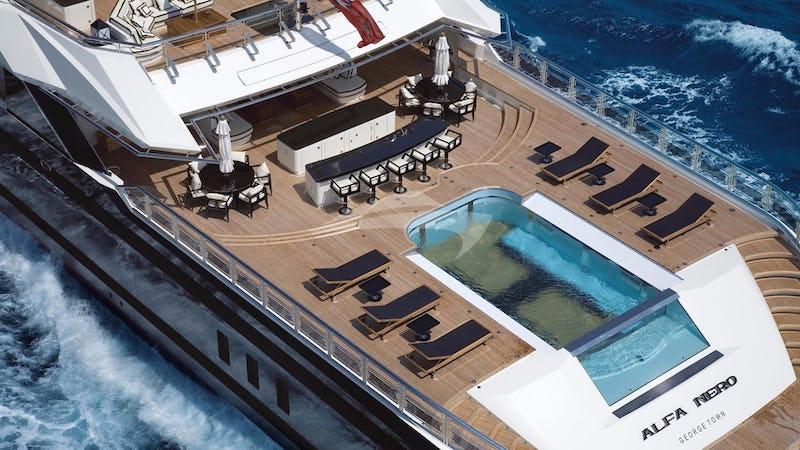 Aft Deck & Infinity Pool
