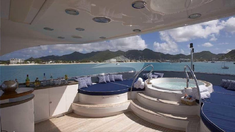 Top Deck Jacuzzi
