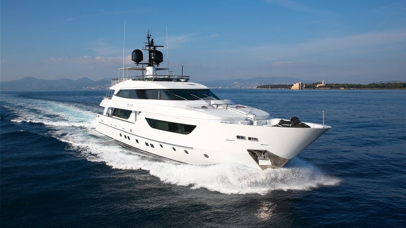 Yacht Charter SUD