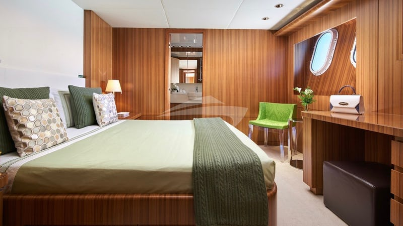 SEA SHELL :: VIP Stateroom