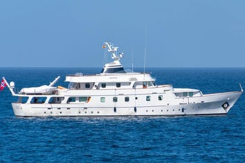 127ft Yacht CHANTAL