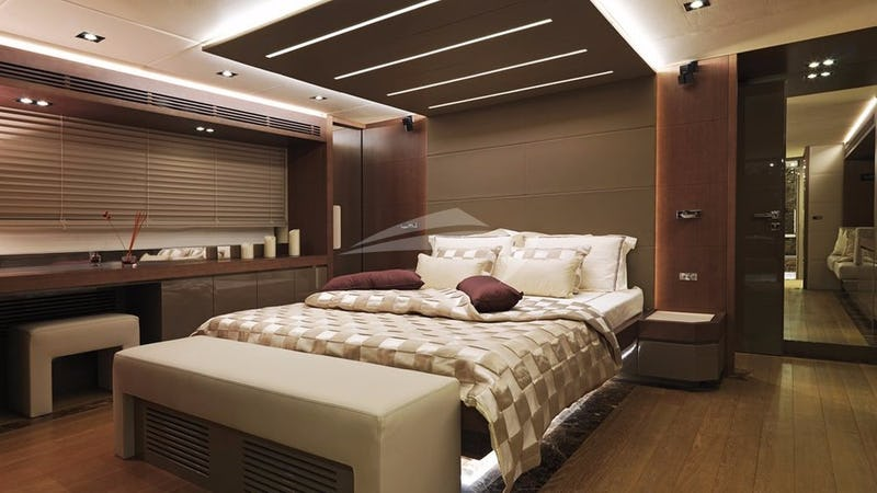 BACCARAT :: Master Stateroom