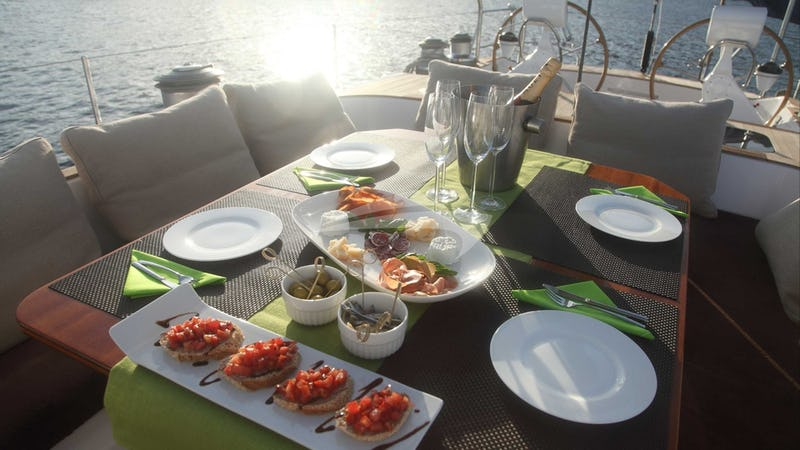 CONSTANTER :: Aft Deck Dining