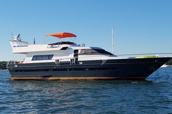 81ft Yacht MIS MOONDANCE