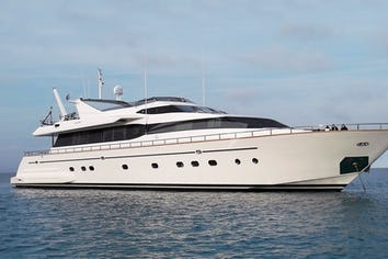 100ft Yacht MARTINA
