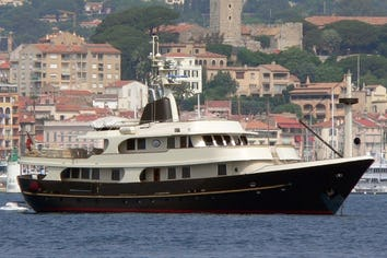 128ft Yacht MESERRET