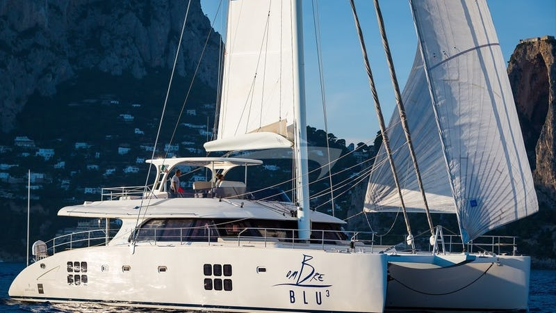 Yacht Charter OMBRE BLU 3
