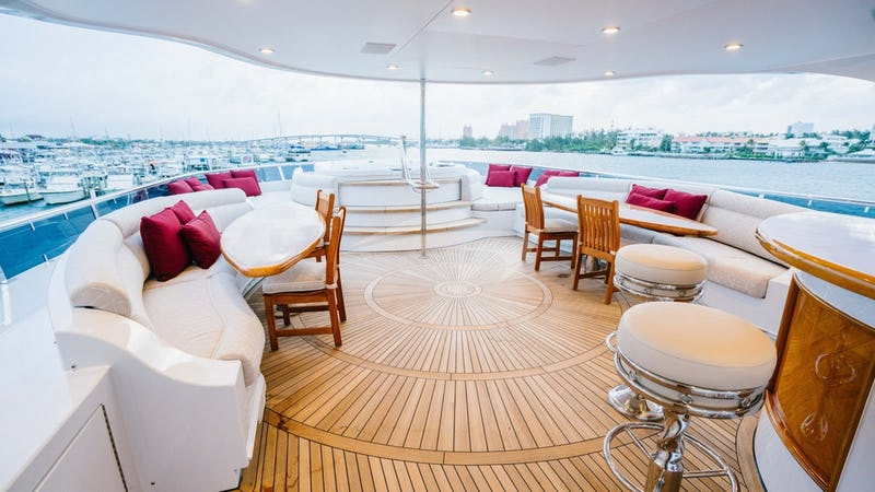 EXCELLENCE :: Sun Deck Seating