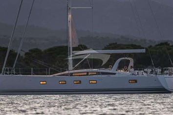 65ft Yacht MOONDANCE