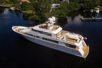 129ft Yacht RELENTLESS