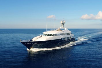 Luxury charter yacht BROADWATER