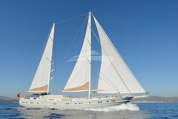 131ft Yacht QUEEN OF SALMAKIS