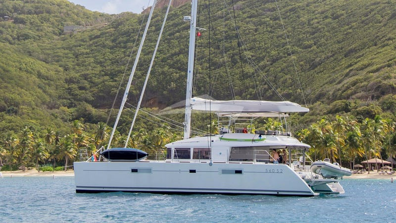 Yacht Charter COOL RUNNINGS IV