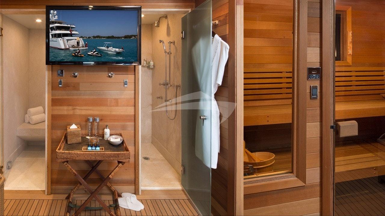 Steam, shower & sauna on the sundeck