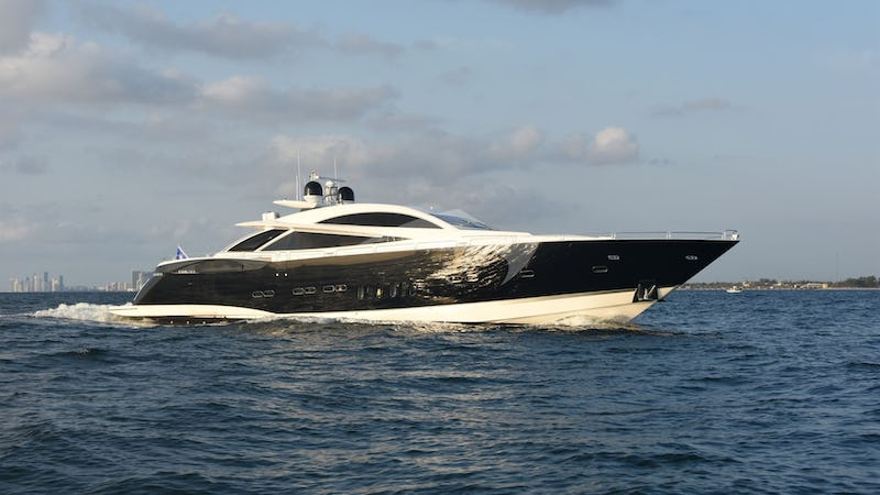 Yacht Charter DOUBLE D