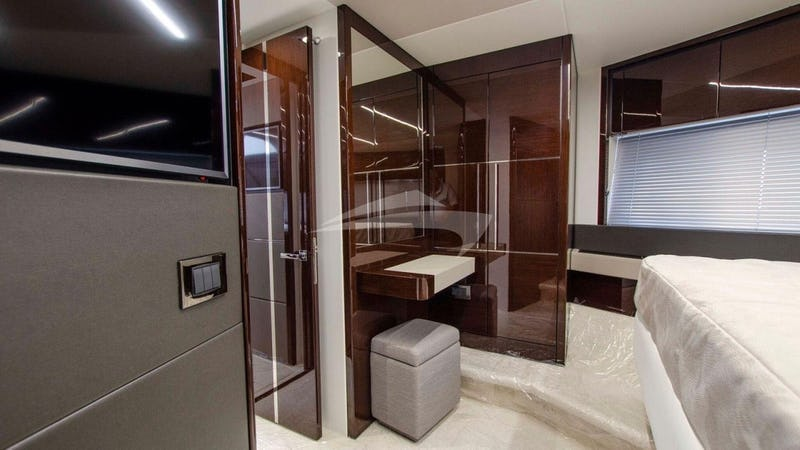 STRATEGIC DREAMS :: Vip stateroom - settee