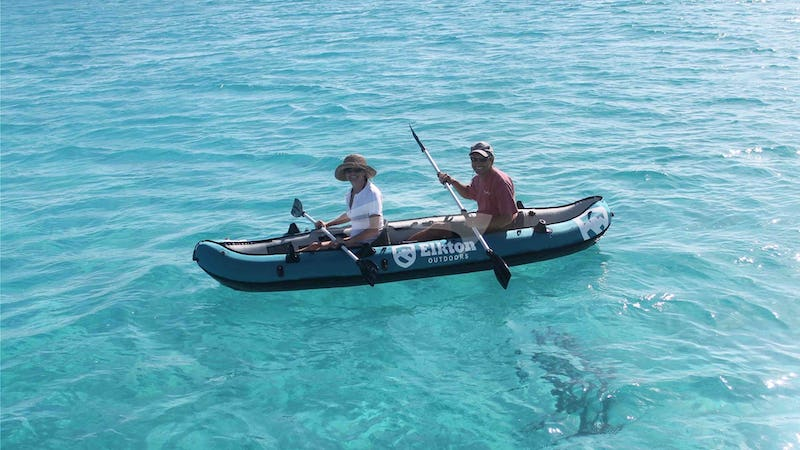SEA BOSS :: Guests enjoy kayaking