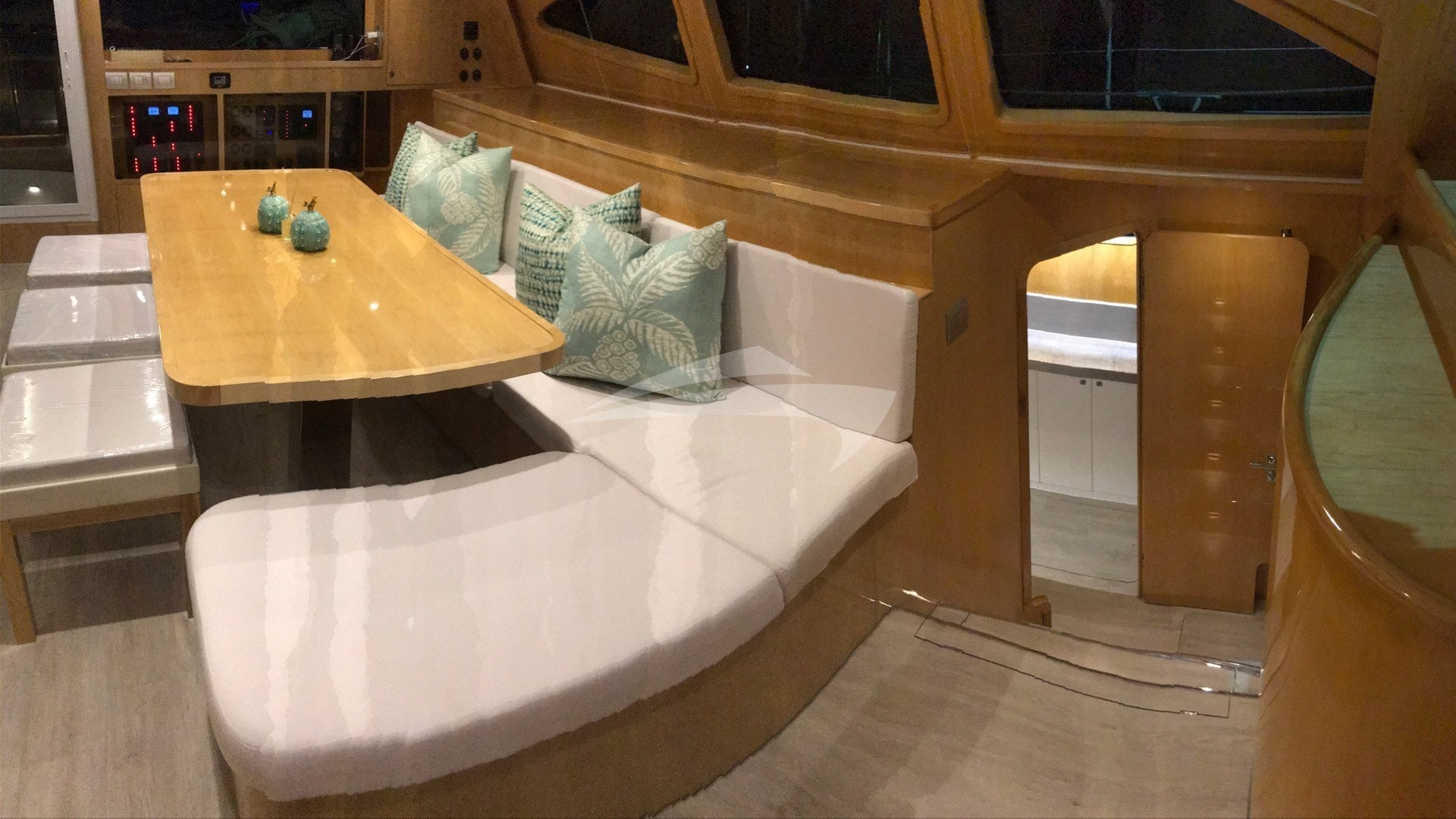 Lounge Area alt view
