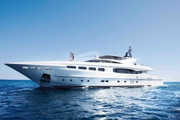 131ft Yacht INFINITY PACIFIC