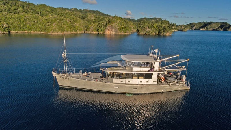 Yacht Charter GREY WOLF