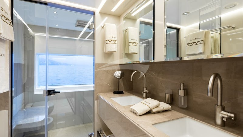 MIA :: Master Bathroom