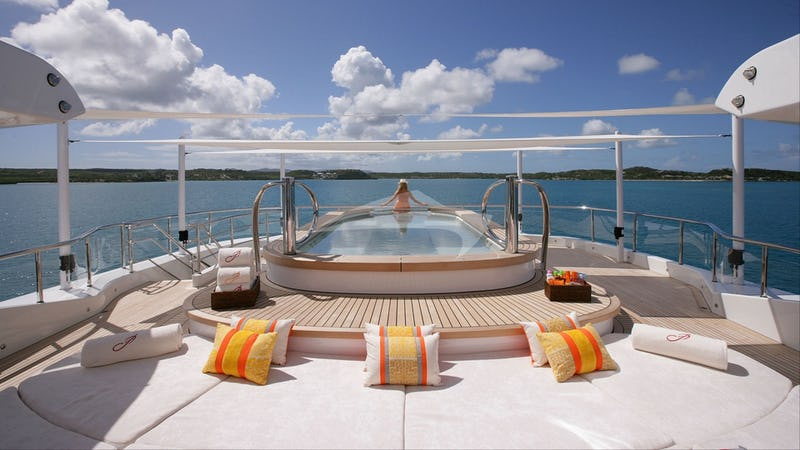Jacuzzi and sundeck