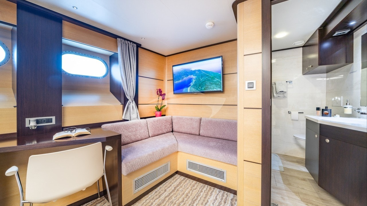 Natalie master seating and ensuite