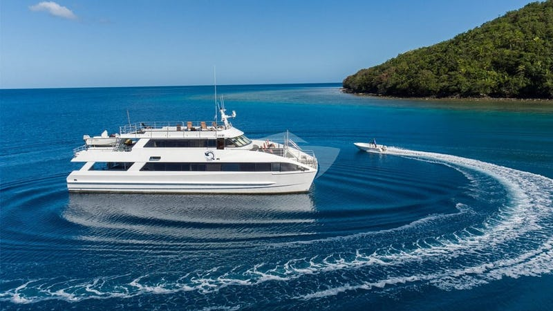 Yacht Charter PACIFIC QUEST