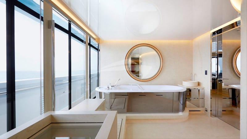 NAUTILUS :: Master bathroom