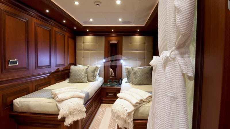 CLARITY :: Twin Guest Stateroom
