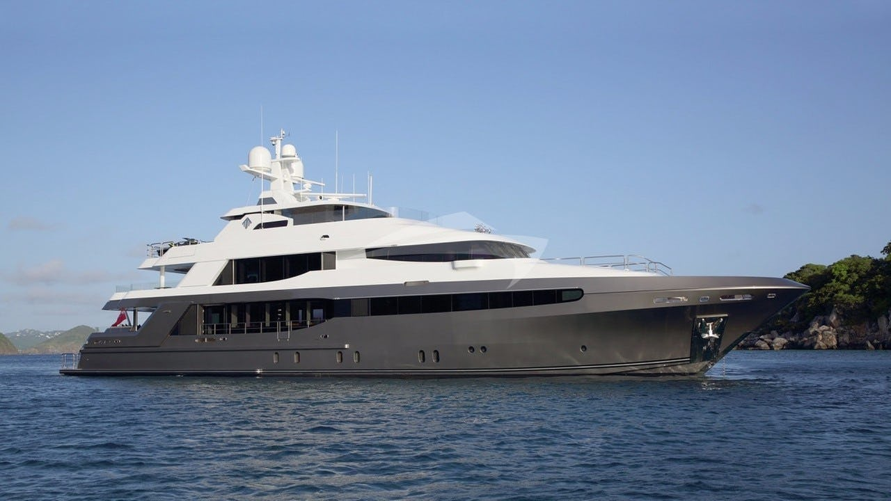 Yacht MUCHOS MAS Charter Yacht