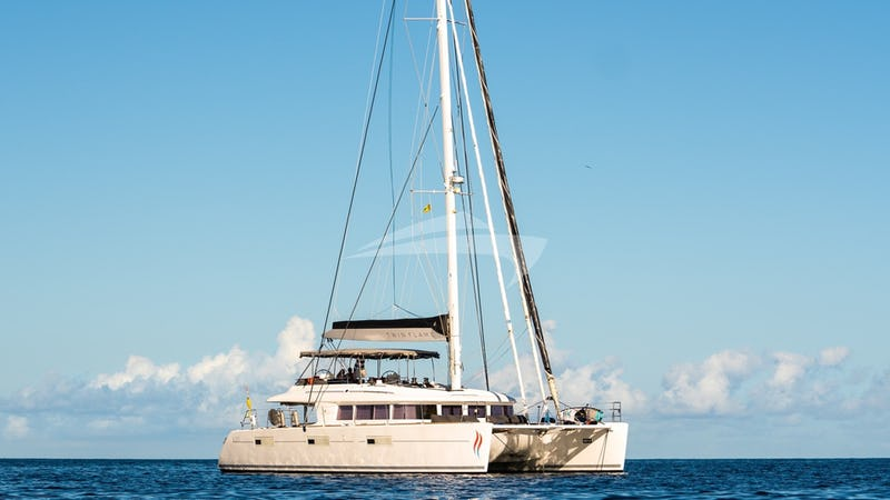 Yacht Charter TWIN FLAME