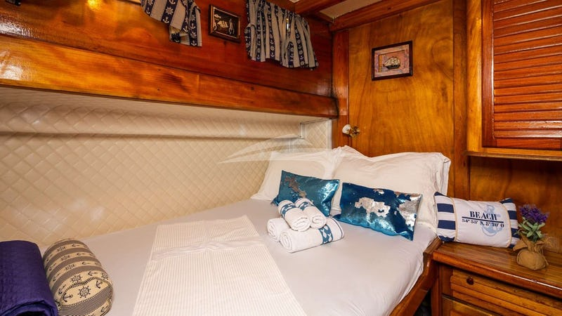 double bed cabinGuest Cabin
