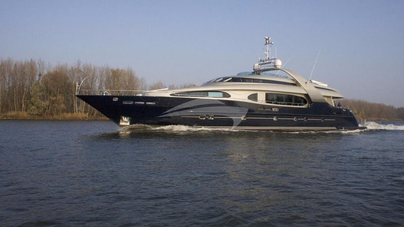 Yacht Charter ONE BLUE