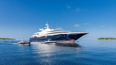 WHEELS YACHT FOR CHARTER