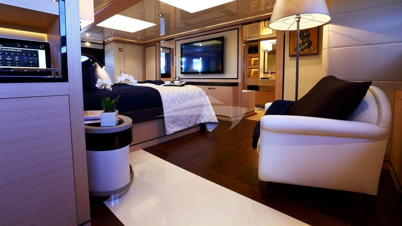 2 LADIES Superyacht for charter