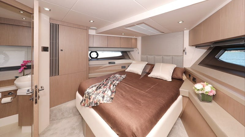 CICO :: Forward Cabin with Bathroom