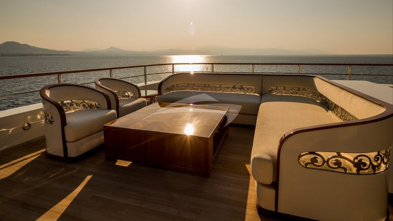 Sundeck and seating