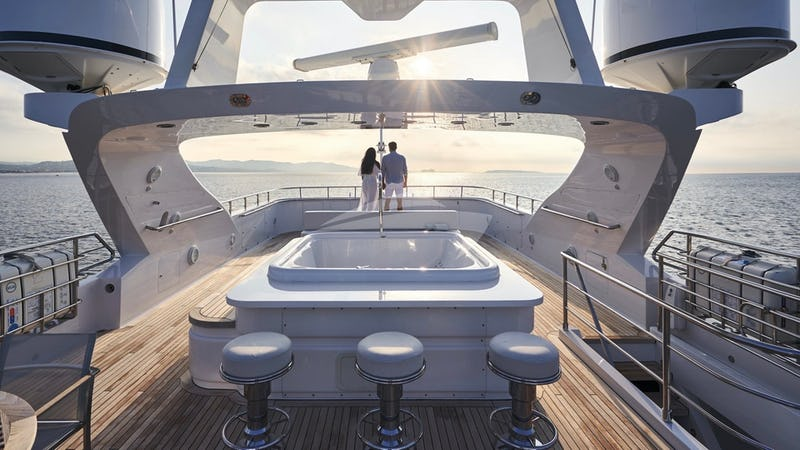 SEA SHELL :: Sun Deck with Jacuzzi