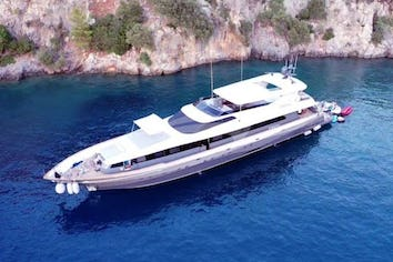 131ft Yacht CROCUS