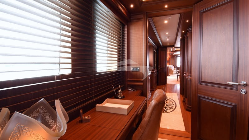 CLARITY :: Master Stateroom Office