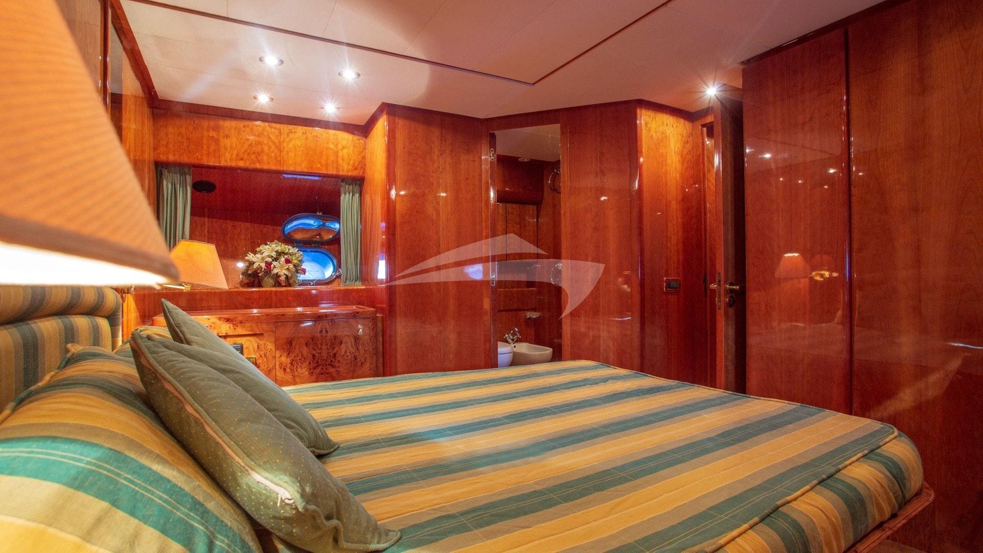 BarbarossaMoratti-SanLorenzo-72-VIP Cabin-03