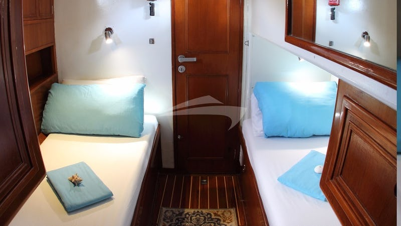 EMILY MORGAN :: Port Aft Cabin